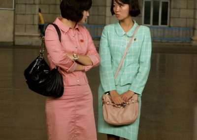 Women-waited-at-the-train-station-in-Pyongyang